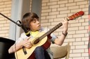 "Adrian Parpat aus der Klasse 7C spielt ""House Of The Rising Sun"" (foto: sebastian schobbert, goethestr.2-3, 10623 berlin 2010)"