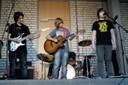 """Die neue Band aus der Klasse 7C spielt """"Twenty-One-Guns"""" (foto: sebastian schobbert, goethestr.2-3, 10623 berlin 2010)"""