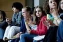 Das junge Publikum schaut gespannt auf die Bühne und applaudiert begeistert den Musikern (foto: sebastian schobbert, goethestr.2-3, 10623 berlin 2010)